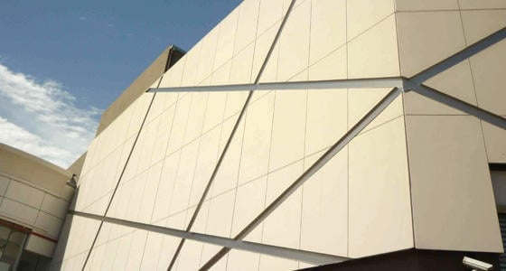 Фасад з фіброцементних панелей: переваги та техніка монтажу - Cementex Siniat